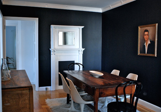 Light v dark for Black dining room walls