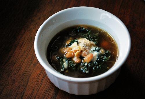 White Bean, Garlic, and Kale Soup