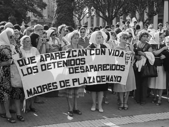 11_marcha_madres_plaza_de_mayo2