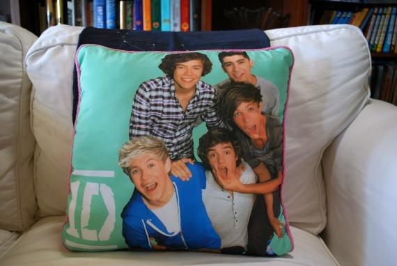 Pillow, 3