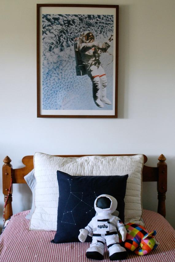 Pillow, 4